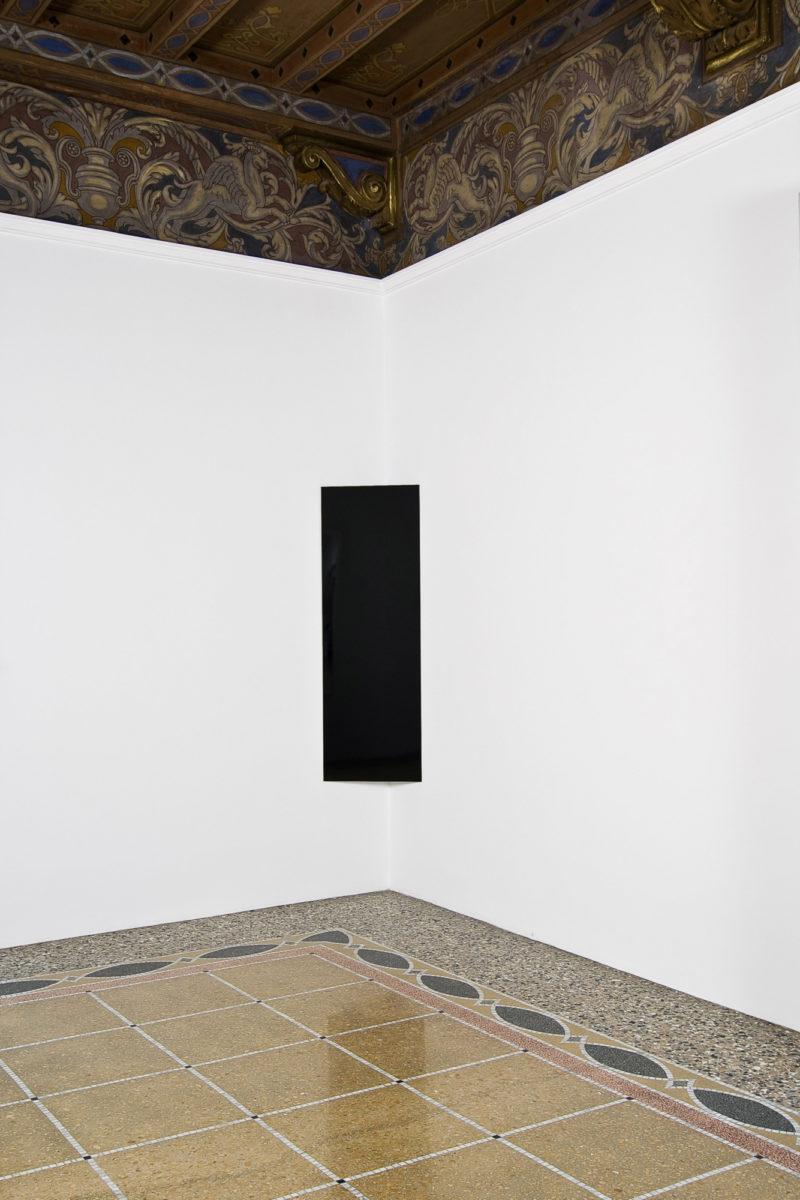 Image of Liz Deschenes Black Corner Piece Campoli Presti